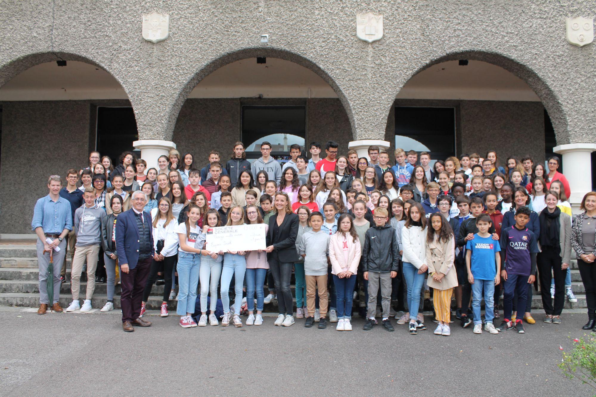 Remise d'un chèque par l'ensemble scolaire Edmond Michelet à Brive-la-Gaillarde